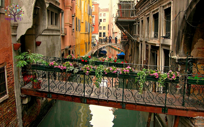 Romantic city in venice