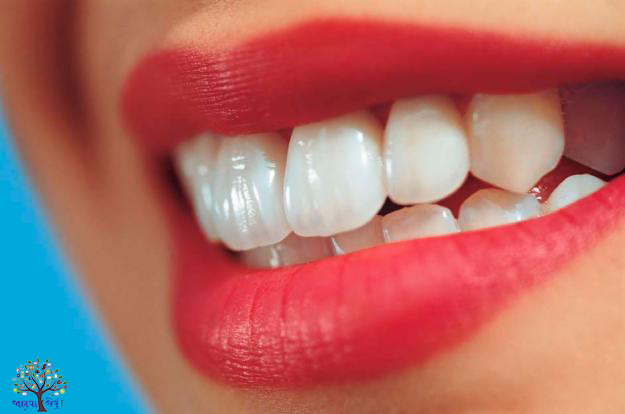 મોતીના દાણા જેવા દાંત જોઈતા હોય તો અપનાવો આ ટીપ્સ