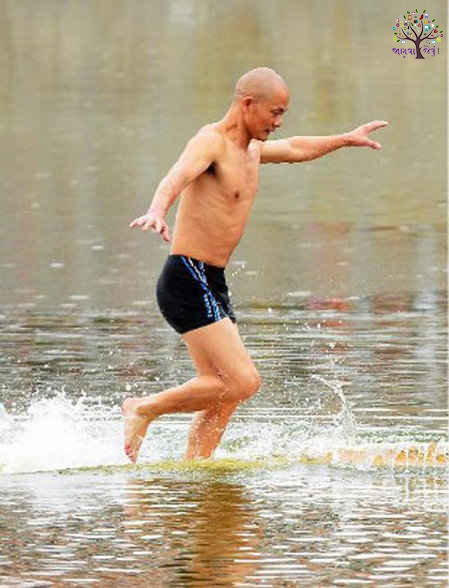 ચીનના આ વ્યક્તિએ કરી કમાલ, પાણી ઉપર 400 મીટર દોડી બનાવ્યો રેકોર્ડ