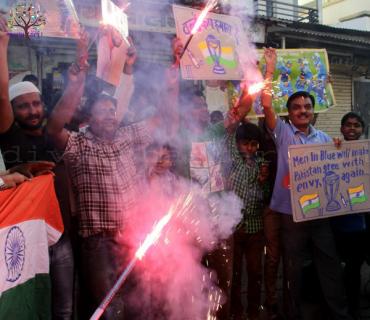 પાકિસ્તાન સામેની જીતને ગુજરાતભરમાં લોકોએ દિવાળીની જેમ ઉજવી