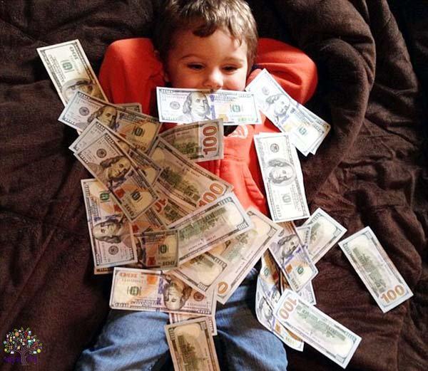 રમકડાં નહીં ડોલર્સ, જ્વેલરીથી રમે છે ઇન્સ્ટાગ્રામના રિચ બેબીઝ