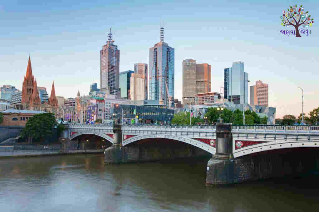 Melbourne_Skyline_and_Princes_Bridge_-_Dec_2008-1024x682111