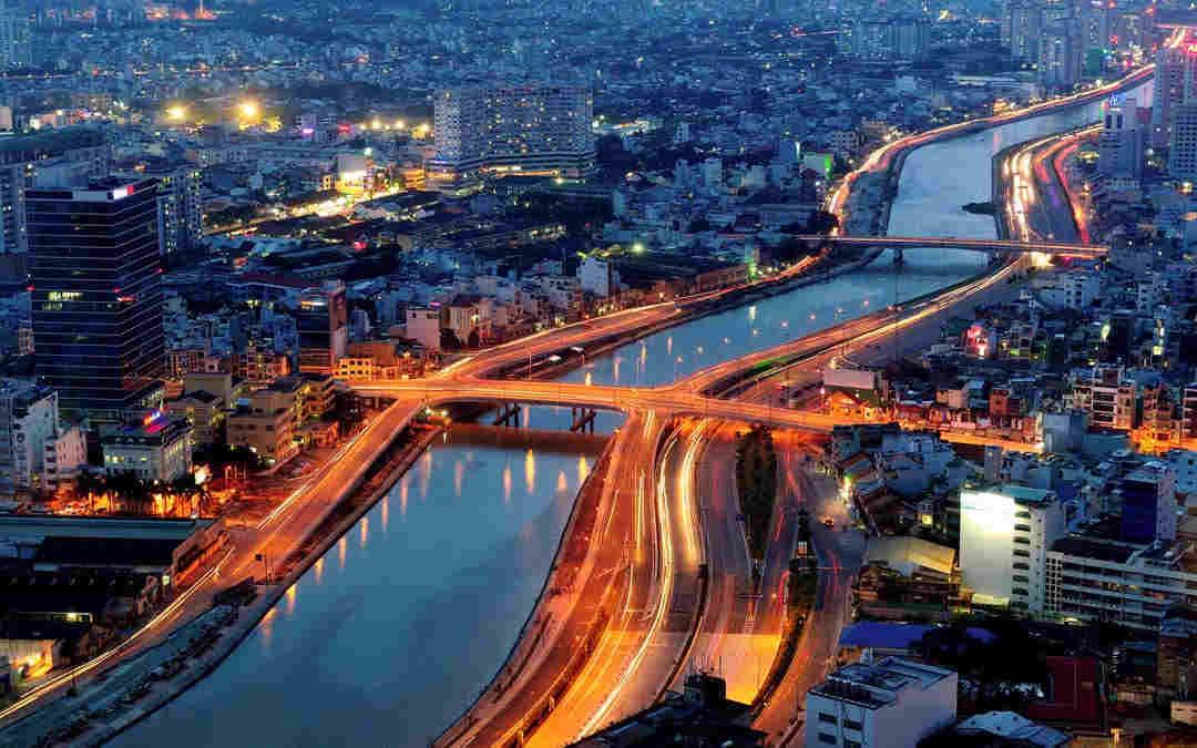 vietnam-city-saigon-river-evening-world-web1