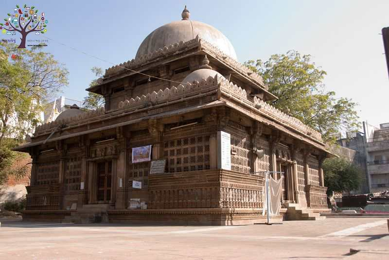 Historical and architectural importance of the mosques in Gujarat