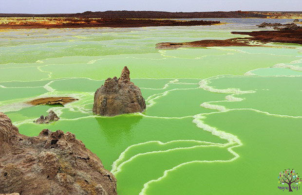 """10 mysterious places photos taken by the photographer, named """"Alien Earth '"""