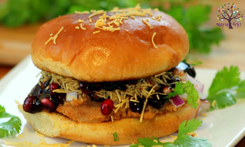 Make yourself a delicious Kutchhi Dabeli