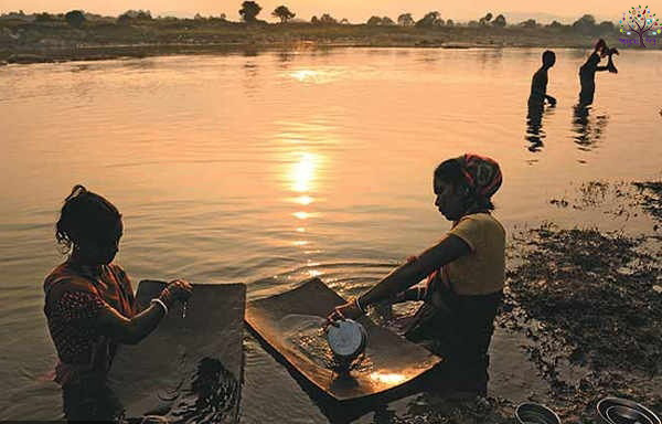 Jharkhand Rivers exits gold, villagers earnings of Rs 4,000