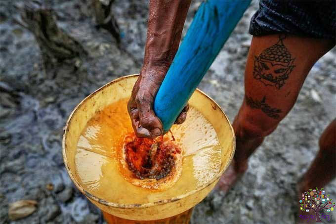 Forget Saudi Arabia, oil is here done by hand!