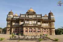 Kutch 'luxury' Vijay Vilas Palace on amazing pictures