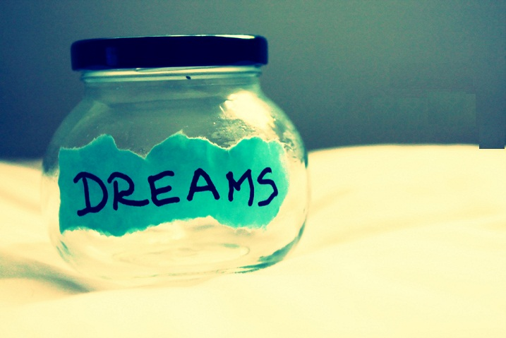 Dreams of youth is the best time to meaningful
