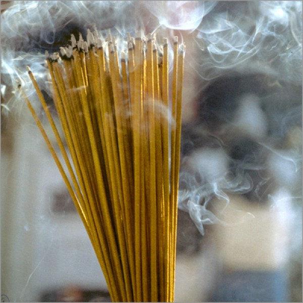 Agarbatti smoke is very gangerous to health