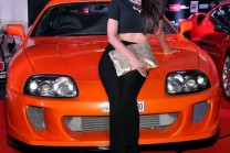 Hot Actress Bollywood in a hot car, Shilpa is a bentley continental car