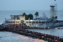 saint donated his wealth ocean salutes (Haji ali mosque)