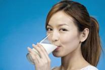 ગરમ-ગરમ દૂધ પીવાથી શરીરને થતા ફાયદાઓ