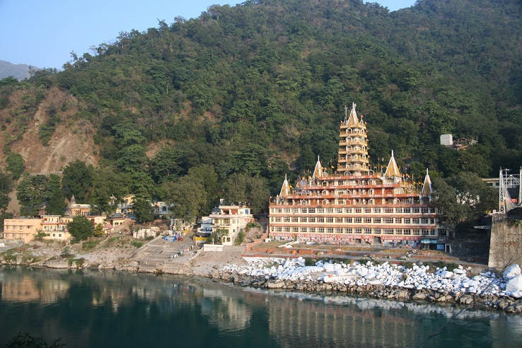 indian temples on hill   Janvajevu.com
