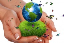 green-world-in-hand-1280x800