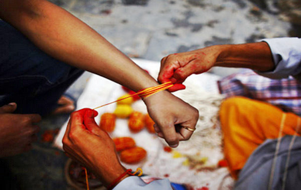 wrist in kalava importance in giujarati | Janvajevu.com