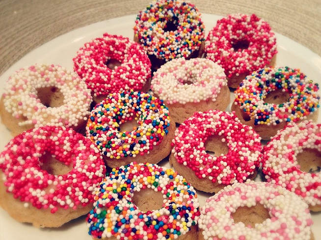 Donuts-image-donuts-36602175-1600-1221