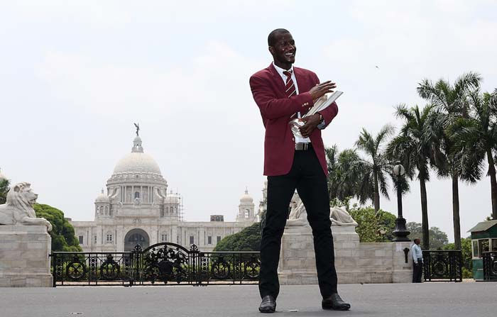 Darren-Sammy-has-some-fun-during-the