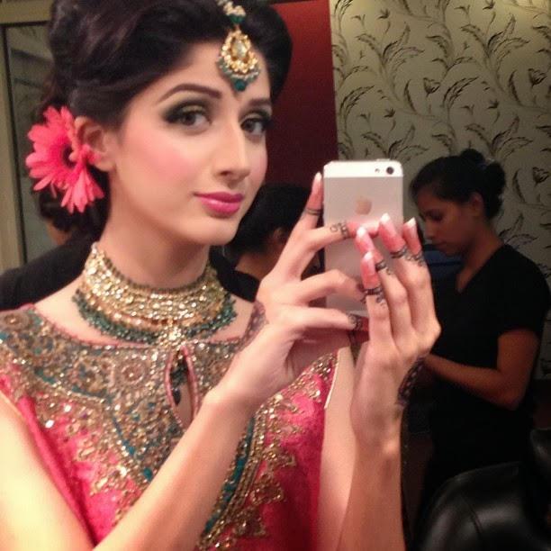 selfie-bridal-photo-shoot-3