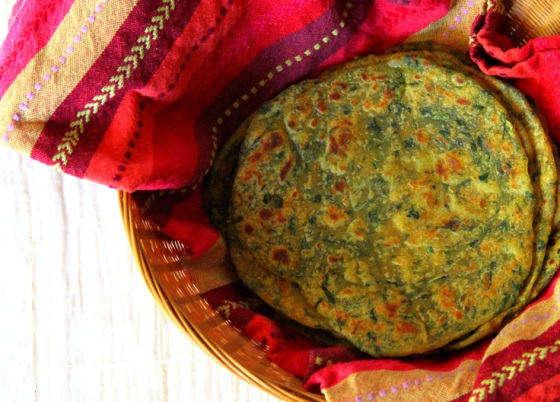 aloo-palak-paratha-potato-spinach-flat-bread
