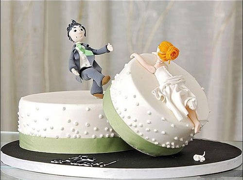 creative-funny-Divorce-cakes-design-decoration-2