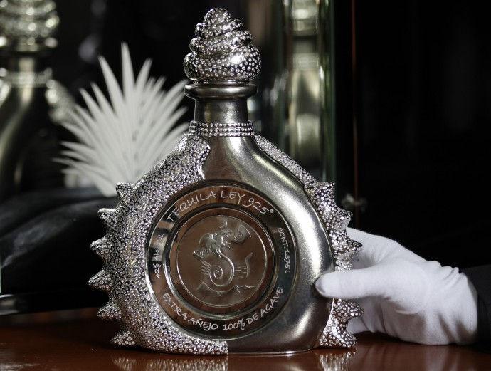 53782-hacienda-la-capilla-unveils-world-s-most-expensive-tequila(2)
