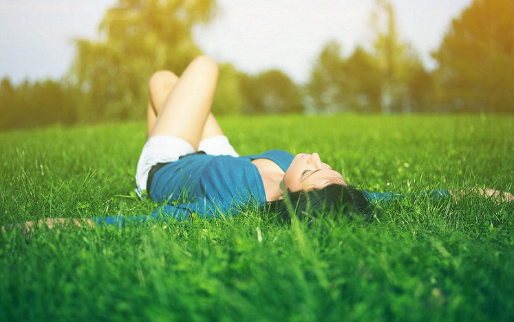 6968770-girl-chill-in-nature