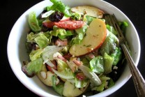 Smoked-Salmon-and-Apple-Salad-with-Lemon-Dill-Vinaigrette