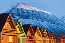 spitsbergen-longyearbyen-coloured-houses-nordnorge_9409e97168b69951a157afa8e3a109b6