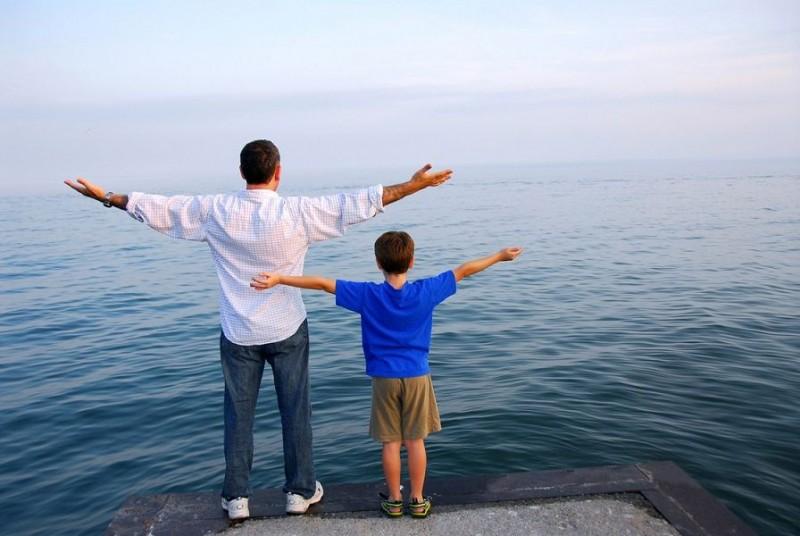 એક પુત્ર પોતાના પિતા વિષે લાઈફના અલગ સ્ટેજમાં આવું વિચારે છે!