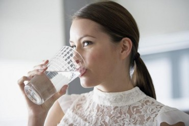 જાણો, મીઠા વાળું પાણી પીવાથી થતા સ્વાસ્થ્ય ફાયદાઓ….