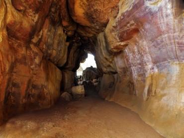 પર્યટકોને આકર્ષિત કરે છે આ ભીમબેટકા ની ગુફાઓ
