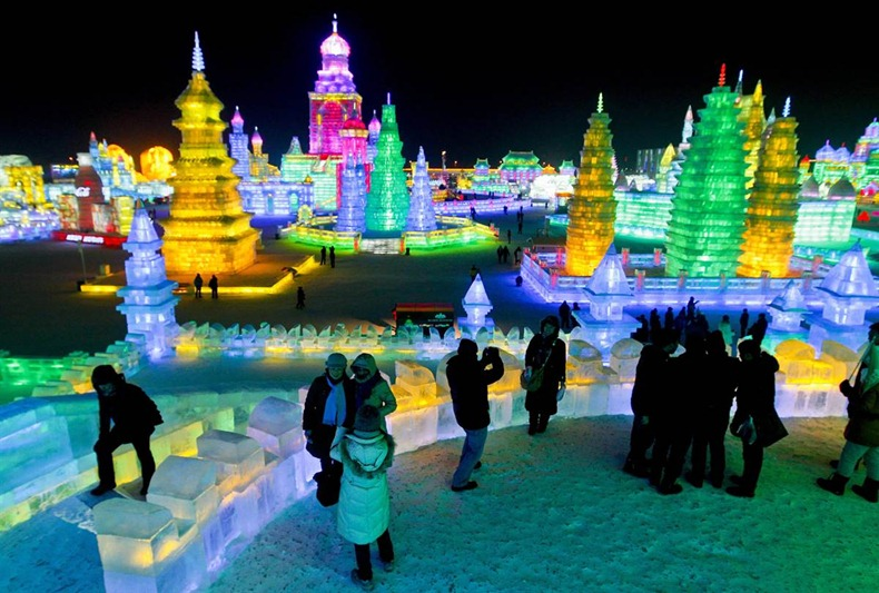 Harbin-International-Ice-and-Snow-Sculpture-Festival-2011-05