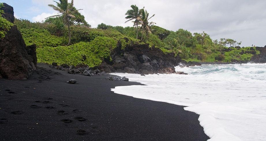 black beach costa rica