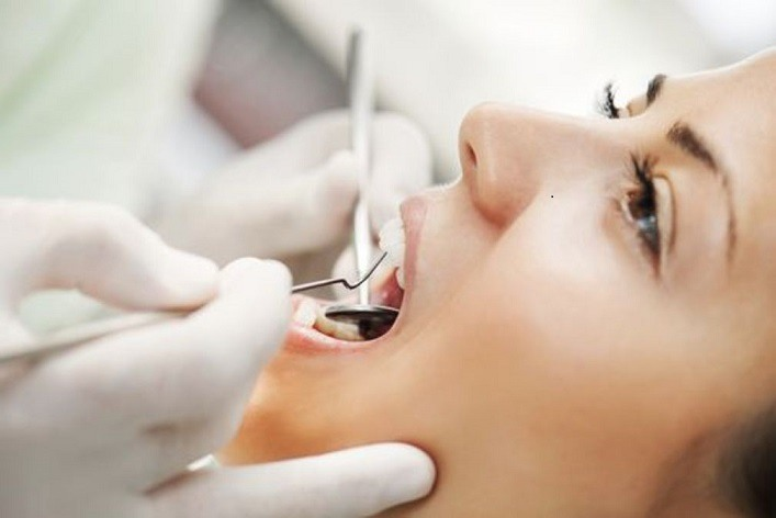 Une-Gingivite-ou-une-parodontite