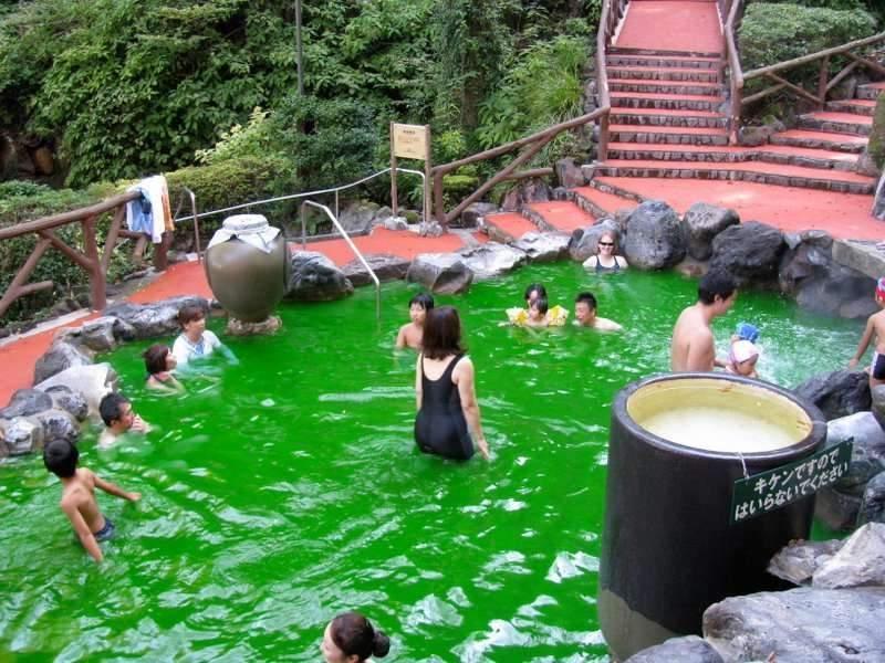 green-tea-onsen
