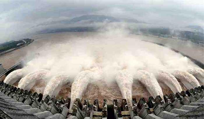 નર્મદા ડેમ ઓવર ફ્લો, પહેલીવાર 131.20 મીટરની જળ સપાટીએ