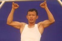 માત્ર બે જ આંગળી દ્બારા પોતાનુ શરીર ઉપાડ નાર : મૈબમ ઇતોમ્બા મૈતી