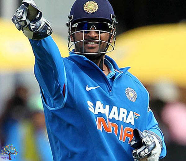 """""""Rayudu just stay awake, constantly talking on the field is how Dhoni"""