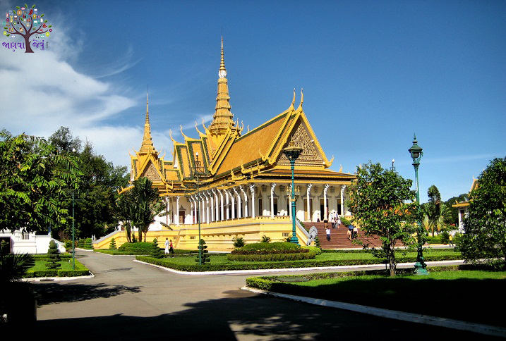 It is very tame in front of the national currency, the best option for cheap travel