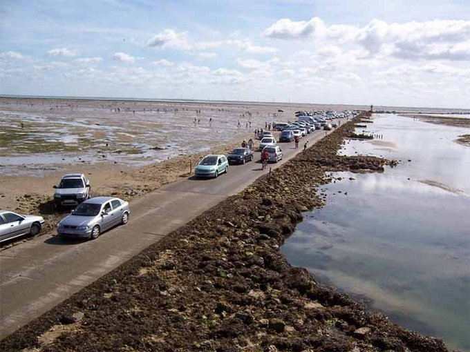 Passage du Gois is a disappearing road in France | Janvajevu.comPassage du Gois is a disappearing road in France | Janvajevu.com