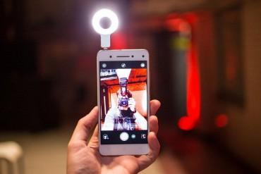 ડ્યુઅલ ફ્રન્ટ કેમેરો અને ફુલ એચડી સ્ક્રીન સાથે લોન્ચ થયો Lenovo Vibe S1