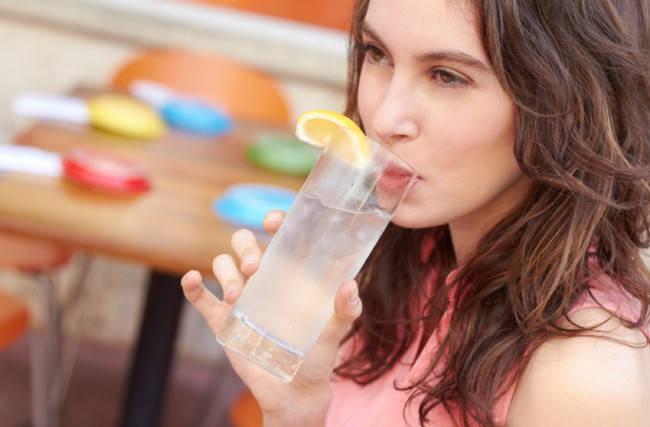 ગરમીમાં પીઓ લીંબુ પાણી અને જાણો તેના ફાયદાઓ