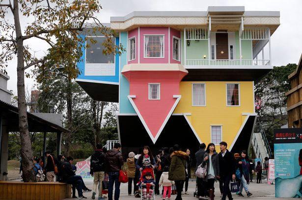 જાણો તાઇવાન ના આ અજીબ ઘર વિષે, જે છે ઉલટું અને ખુબજ બ્યુટીફૂલ