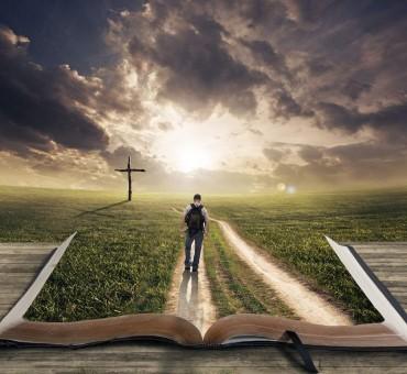 દરેક વ્યક્તિ પોતાનું ભવિષ્ય ખુદ જ લખે છે….